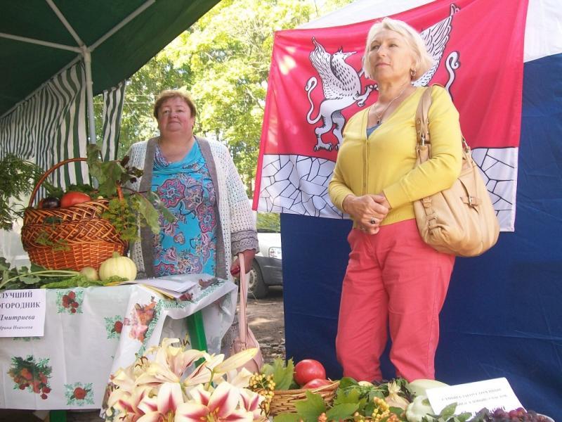 Вдохновитель и организатор наших побед с  Соловьевой В.В. перед приходом жюри.